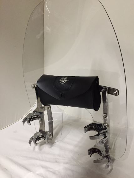QUICK-RELEASE COMPACT WINDSHIELD 18'' - USED